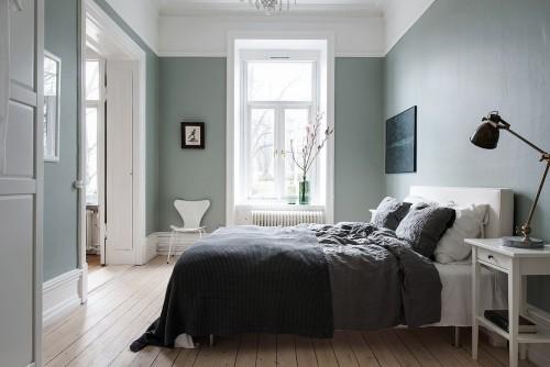 Olijfgroene muren in een Scandinavische slaapkamer | Slaapkamer ideeën