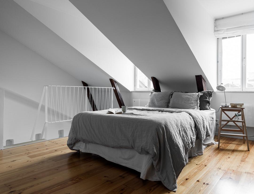 Ruime open zolder slaapkamer
