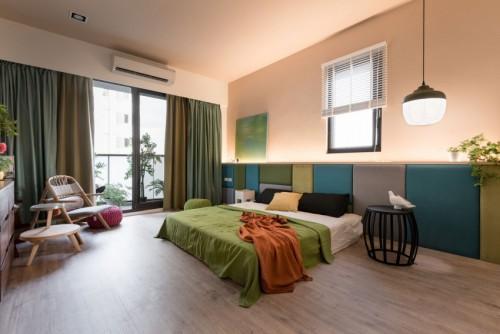 Rijke kleuren in een grote slaapkamer  Slaapkamer ideeën