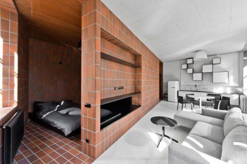 Slaapkamer Ideeen Bruin Bed : Rode bruine tegels in open slaapkamer ...