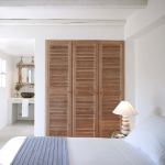 Rustgevende serene slaapkamer uit Griekenland