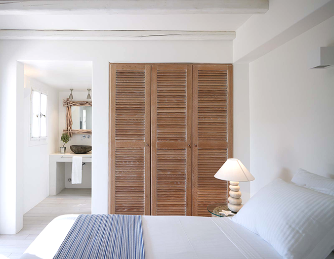 Rustgevende serene slaapkamer uit Griekenland  Slaapkamer ideeën