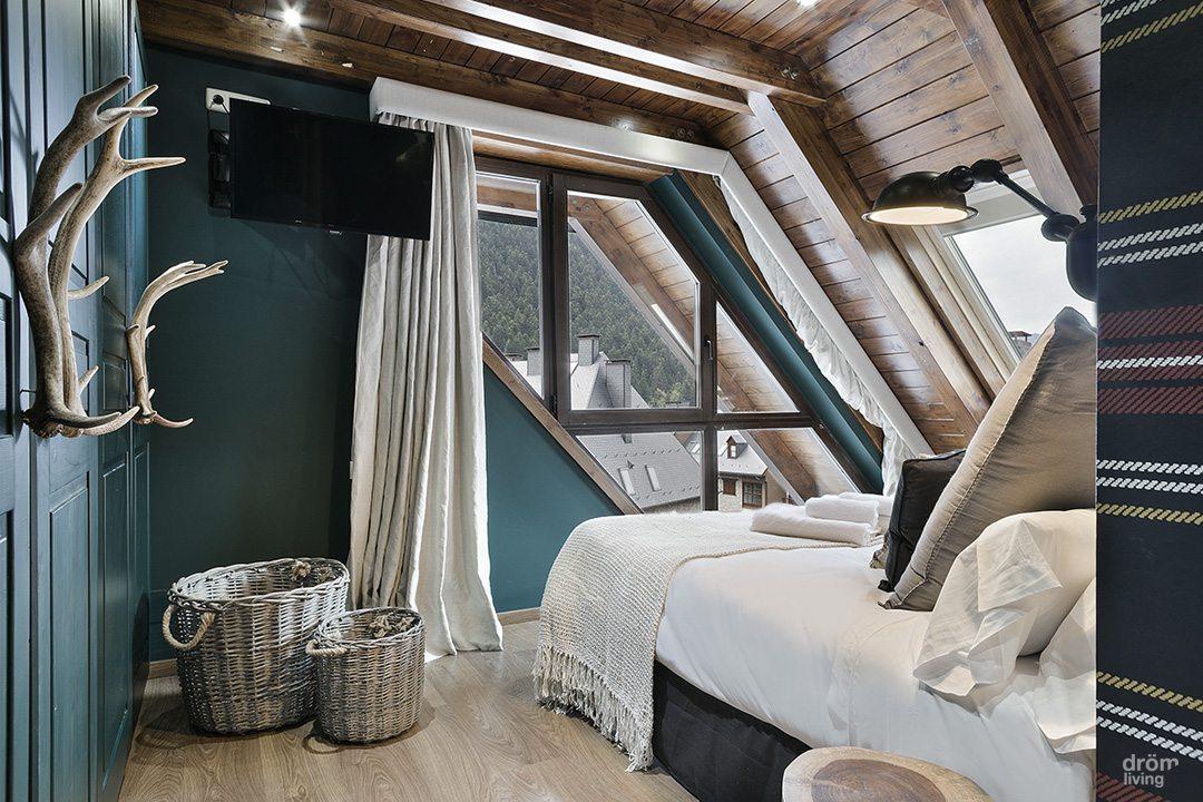 Rustieke chalet slaapkamer door  Dröm Living