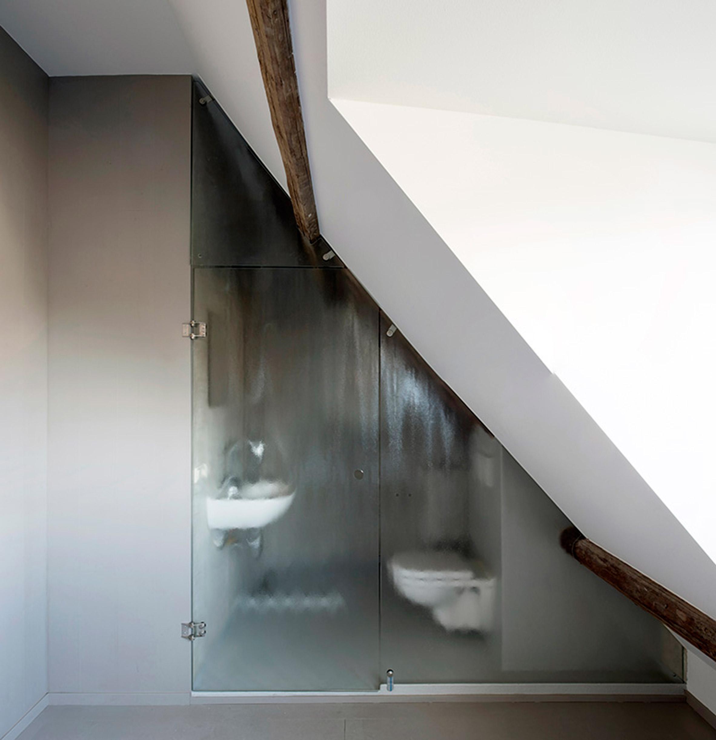Rustieke stoere slaapkamer van B&B in Friesland  Slaapkamer ideeën
