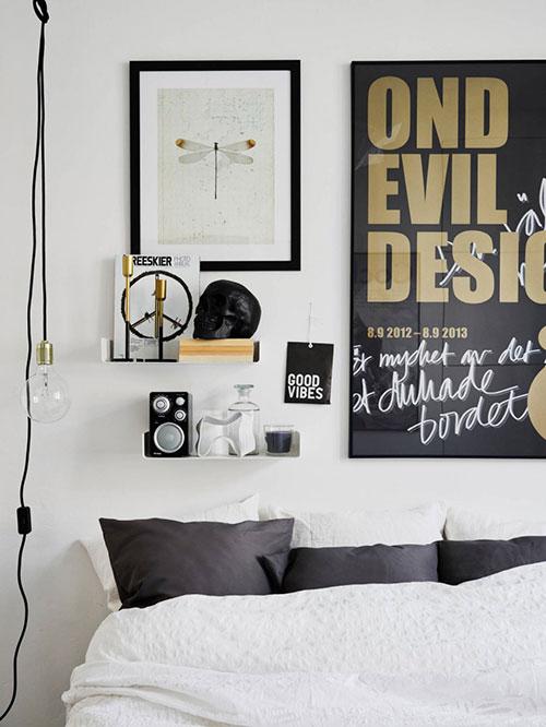 Scandinavische woonkamer met eenvoudige inrichting