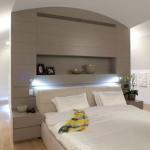 Scheidingswand tussen slaapkamer en inloopkast