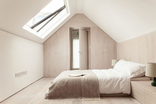 Serene zolder slaapkamer  Slaapkamer ideeën