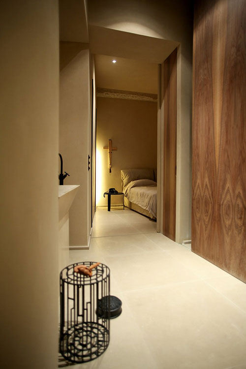 Sfeervolle slaapkamer met houten panelen slaapkamer idee n - Slaapkamer houten ...