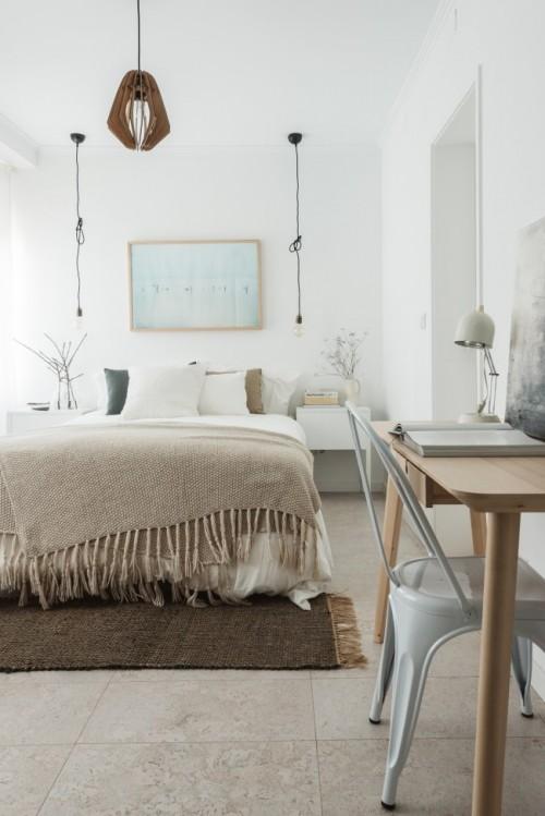 Sfeervolle slaapkamer met werkplek en kledingkast slaapkamer idee n - Kledingkast ideeen ...