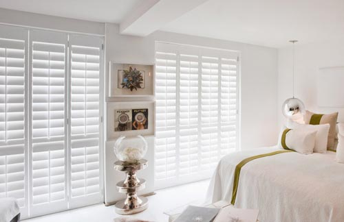 Shutters woonkamer raambekleding for Gordijnen voor slaapkamer