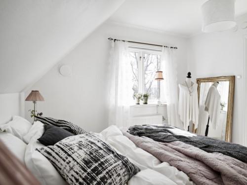 Simpel ingerichte, maar elegante slaapkamer