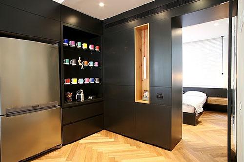 Slaapkamer badkamer combinatie met glazen wand  Slaapkamer ideeën