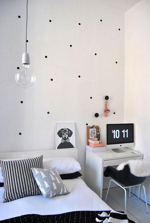 Slaapkamer behang zwarte stippen