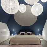 Slaapkamer met geometrisch plafond