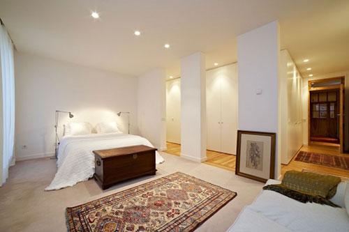 Slaapkamer met inloopkast en badkamer  Slaapkamer ideeën