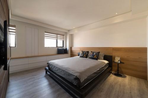 Slaapkamer met inloopkast door White Interior Design  Slaapkamer ...