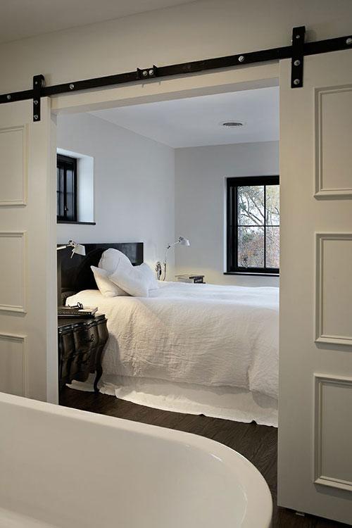 Slaapkamer met schuifdeur