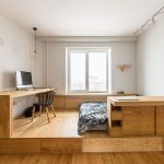 Slaapkamer met een stoer underlayment platformbed