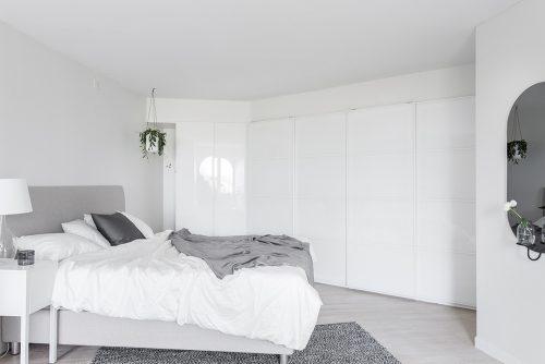 Slaapkamer met hoekkast
