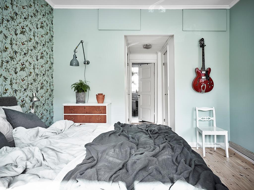 Slaapkamer met mintgroene muren | Slaapkamer ideeën