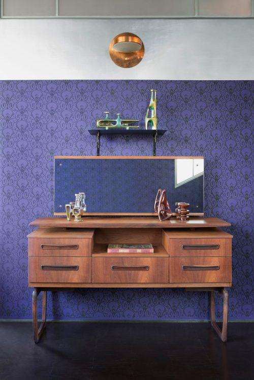 Ook de meubels en accessoires zijn volledig in diezelfde klassieke ...