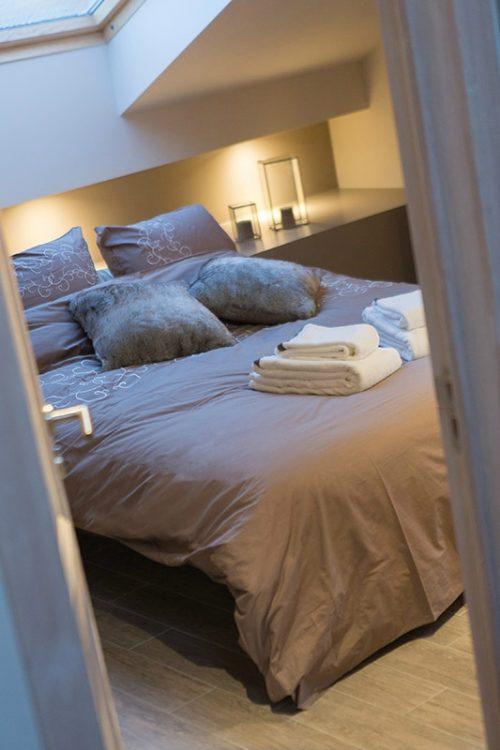 Slaapkamer met taupe tinten slaapkamer idee n - Muur wit en taupe ...