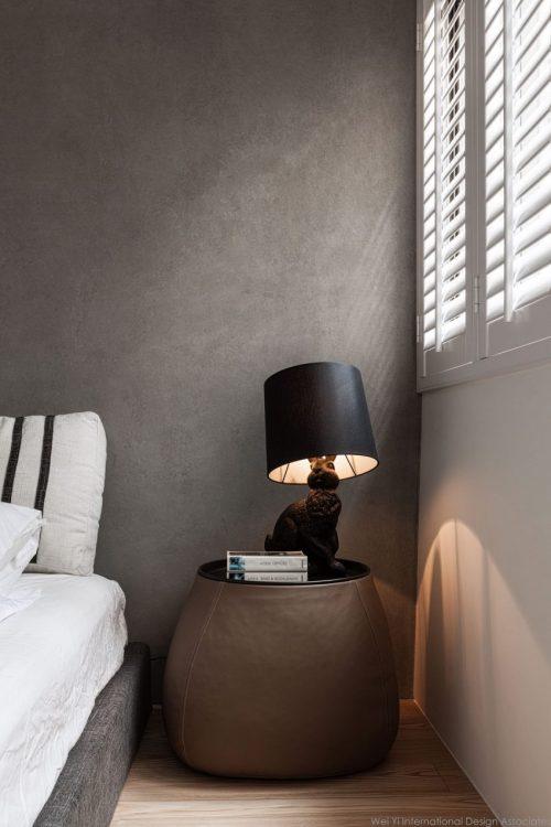 Slaapkamer met uitzicht op badkamer door glazen wand  Slaapkamer ...