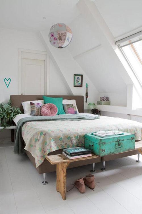 Slaapkamer met turquoise accessoires  Slaapkamer ideeën