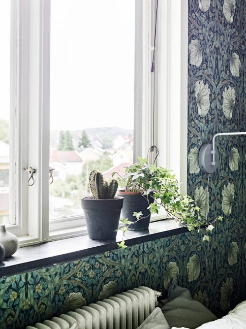 ... » Leuke slaapkamer ideeen » Slaapkamer vol met bloemetjes behang