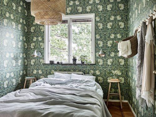 Slaapkamer vol met bloemetjes behang  Slaapkamer ideeën