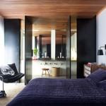 Smalle badkamer in slaapkamer