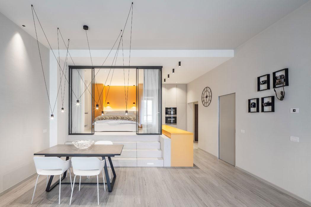 Splitlevel slaapkamer met glazen wanden
