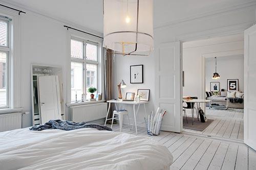Stijlvolle Zweedse witte slaapkamer