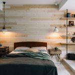 Stoere ruime slaapkamer met werkplek