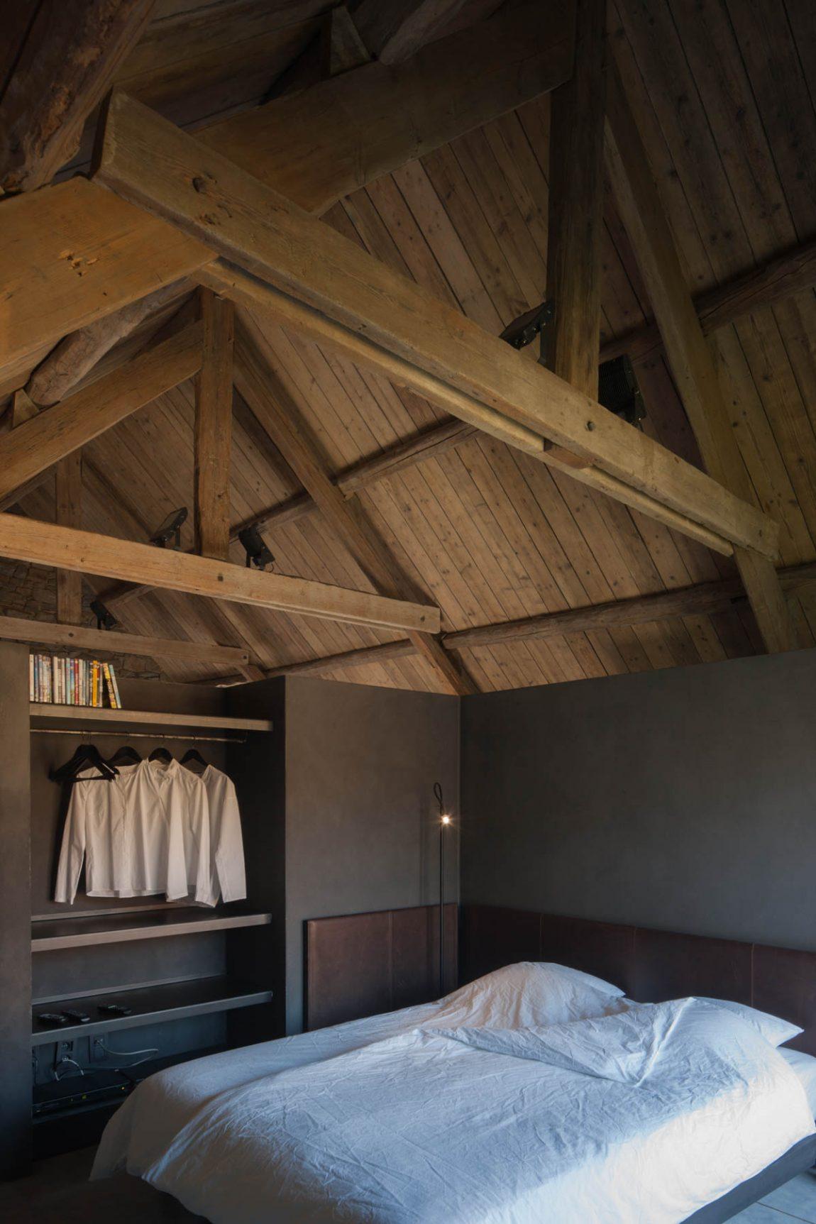 Stoere rustieke slaapkamer van La Micheline
