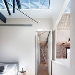 Stoere slaapkamer met serre
