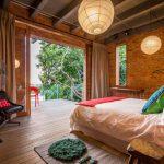 Stoere slaapkamer met romantisch uitzicht!