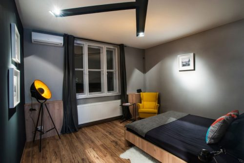 Stoere Industriele Loft : Stoere slaapkamer van studio loft uit boedapast slaapkamer ideeën