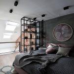 Stoere vide loft slaapkamer in een vrouwelijk jasje