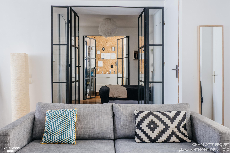 Inloopkast In Tussenkamer : Tussenkamer slaapkamer in een klein appartement uit parijs