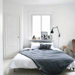 Verkoopstyling in Scandinavische slaapkamer