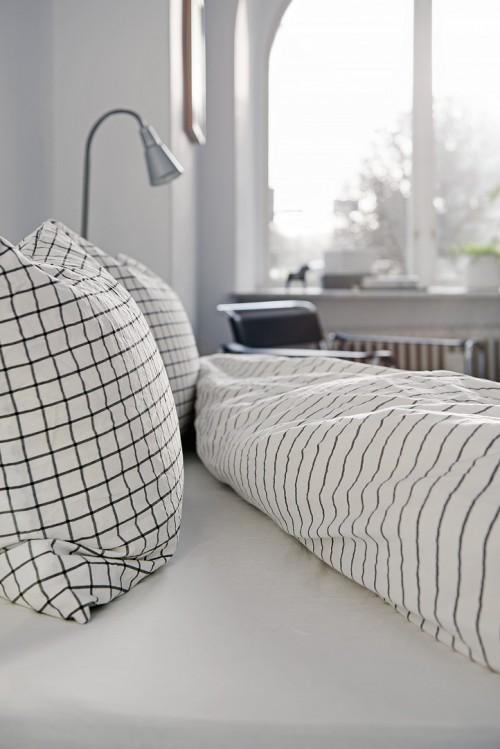 Verkoopstyling met leuke accessoires in scandinavische slaapkamer slaapkamer idee n - Slaapkamer accessoire ...