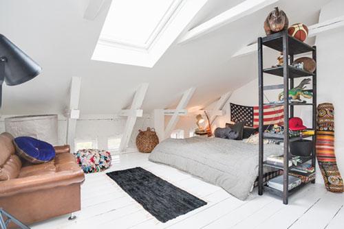 Retro slaapkamer accessoires : Vintage slaapkamer op zolder Slaapkamer ...
