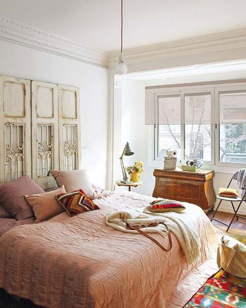 Vintage slaapkamer met roze tinten  Slaapkamer ideeën