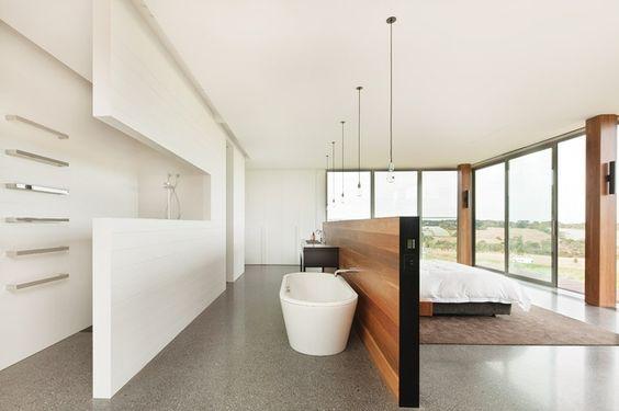 vrijstaand bad scheidingswand-slaapkamer badkamer