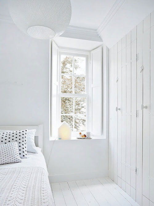 Witte slaapkamer van interieurstyliste Kim van Rossenberg  Slaapkamer ...
