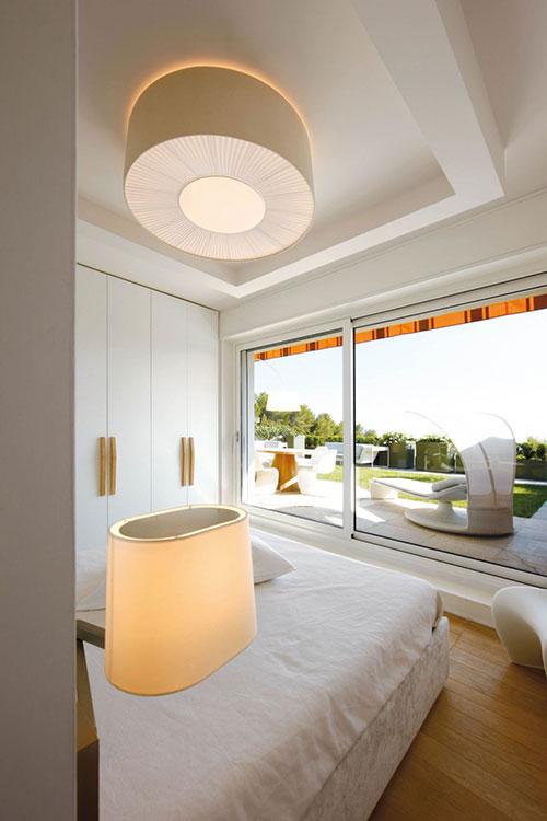 Witte slaapkamer met Italiaans design  Slaapkamer ideeën