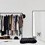 Witte slaapkamer van een vierkamerappartement