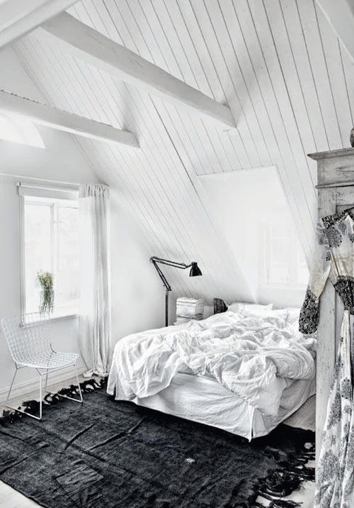 Witte slaapkamer van Zweedse interieurstylist