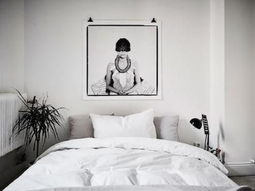 http://www.slaapkamer-ideeen.nl/wp-content/uploads/zen-slaapkamer-met-poster-2-500x375.jpg